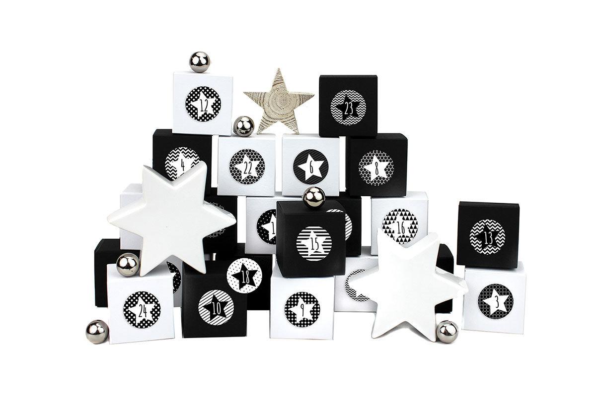 24 adventskalender kisten mit zahlenaufklebern zum selber bef llen 24 schwarz wei e. Black Bedroom Furniture Sets. Home Design Ideas