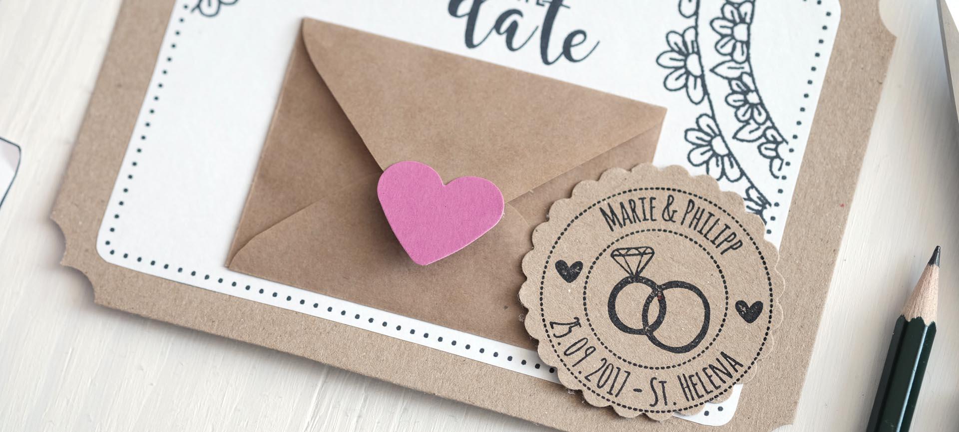Für Den Mini Briefumschlag: Mithilfe Der Ausgeschnittenen Vorlage Die Form  Auf Kraftpapier Aufzeichnen Und Anschließend Ausschneiden.